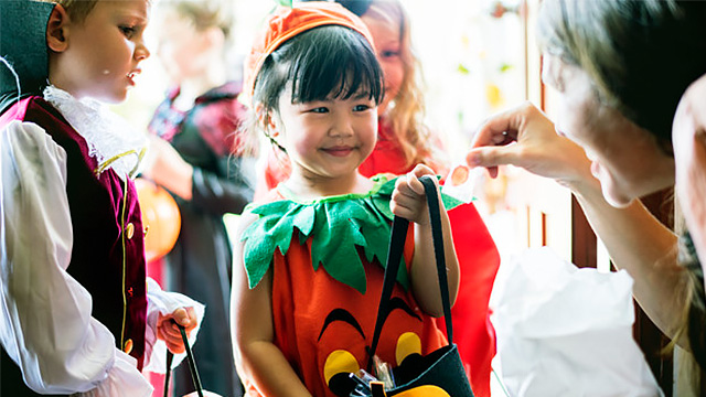 Keep Your Kids Thrilled and Happy With These Halloween Activities