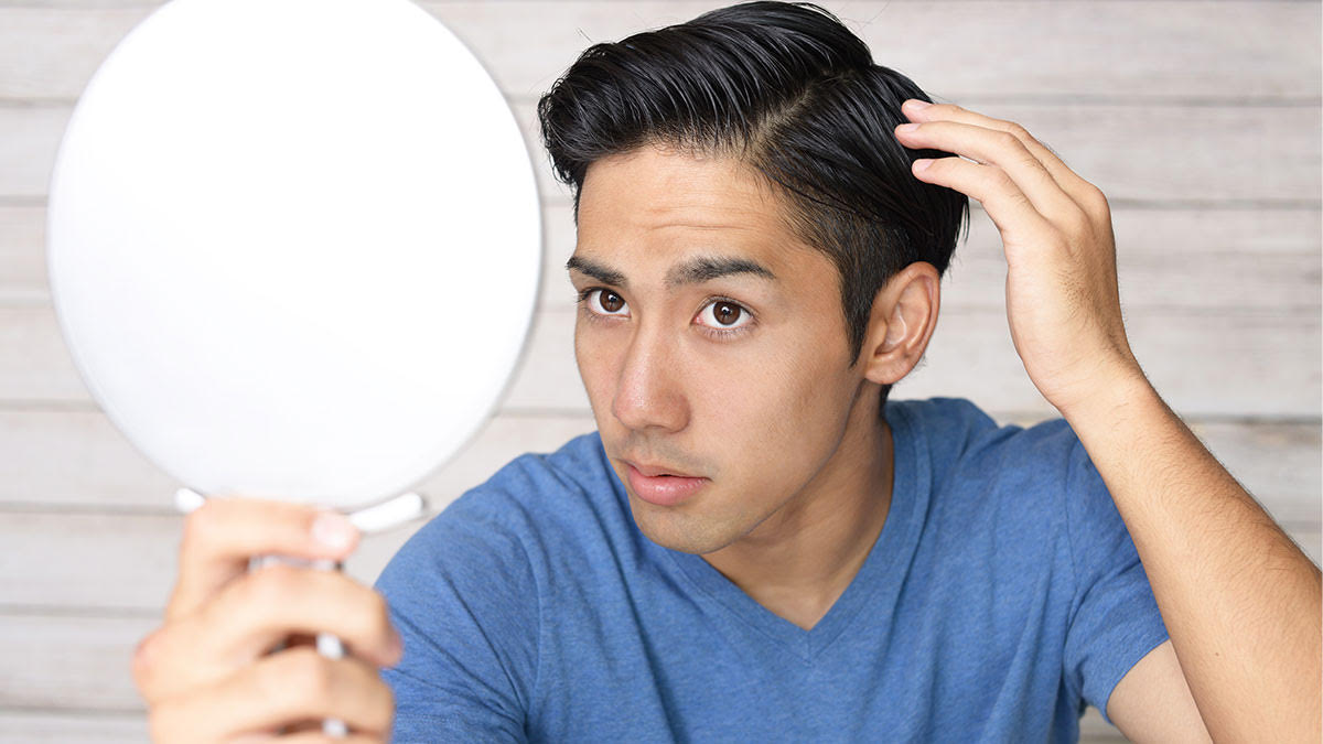 These Are the Worst Hair-Related Mistakes a Guy Can Make