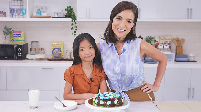 Pia Guanio's 8-Step No-Bake Cake Is So Easy Even Her Daughter Can Make It
