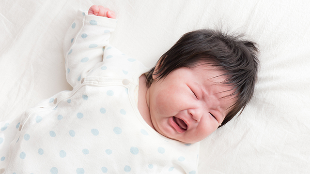 5 Possible Reasons Your Baby Wakes Up Whenever You Put Him Down
