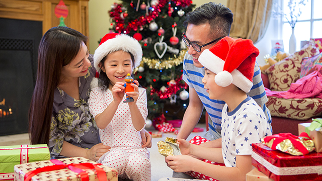 5 Practical Christmas Gift Ideas For Every Member of the Family Under Php1,500