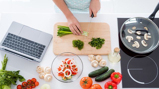 This Online Class Will Help You Cook Nutritious Meals Your Kids Will Actually Enjoy