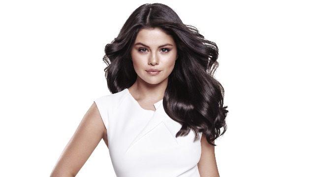 Pin de Magazine em magazine covers em 2020   Selena