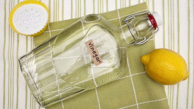 5 Uses of Vinegar as a Cheap and Baby-friendly Cleaner