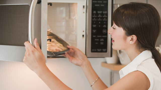 Is Your Microwave Taking Away The Nutrients In Your Food?