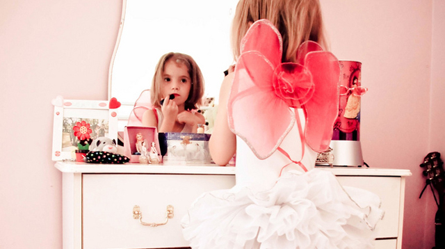 Girls Feel Ashamed of Their Bodies as Early as 9 Years Old, Survey Shows