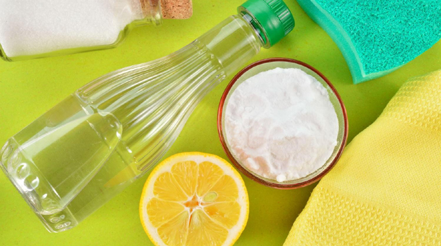 10 Things You Can Quickly Clean with Just Vinegar, Lemon and Baking Soda