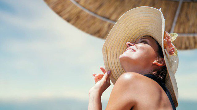 How To Care for Your Skin In the Intense Summer Heat