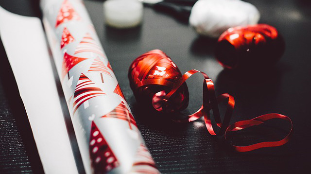 How to Peel the Price Stickers Off of Gifts and Other Gift Wrapping Tricks