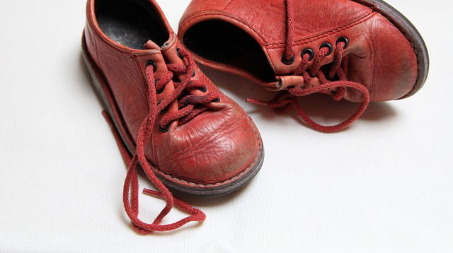 All You Need to Know on How to Buy the Right Shoes for Your Toddler