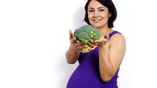 Folate Intake While Pregnant May Help Prevent Obesity in Children
