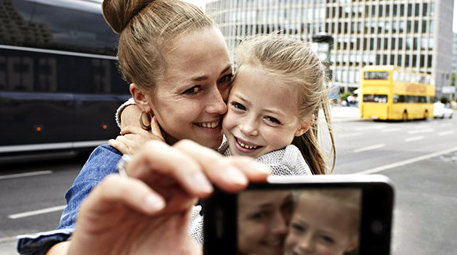 5 Ways to Protect Your Child When You Post His Photos Online