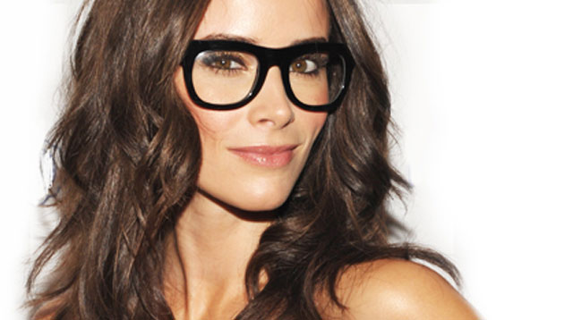 3 Ways You Can Wear Makeup Under Your Glasses