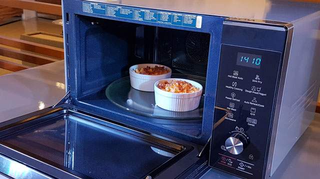 Looking to Replace Your Microwave Oven? Here's One We Totally Love