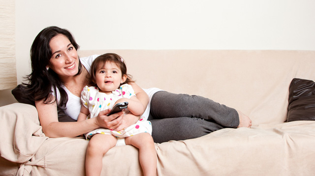 Want Your Baby to Learn Words Faster? Turn Off the Noisy TV