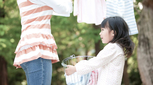 A List of Household Chores Your 4 to 7-Year-Old Can and Should Do