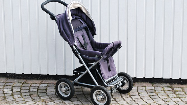 Avoid Hanging Bags on Stroller Handles to Prevent Accidents