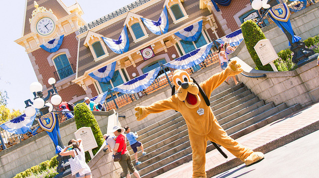 9 Ways to Save Money at Disney Theme Parks
