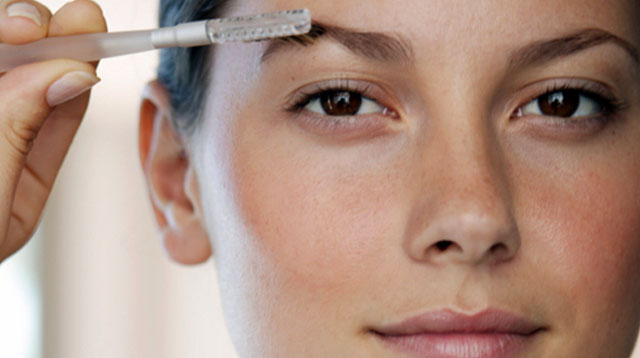 The Ultimate Eyebrow Hack For Busy Moms