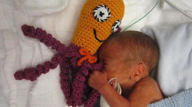 Wow! This Octopus Crochet Toy Comforts and Calms Preemies