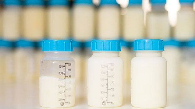 LOOK: Visual Proof That Breast Milk Can Fight Bacteria