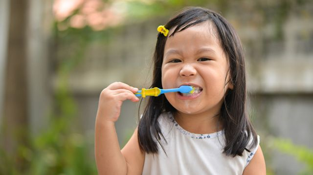 5 Dentist-Recommended Caring Tips for Your Toddler's Teeth