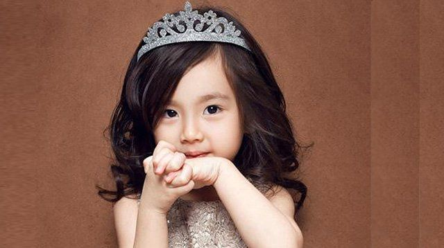 Raise a Daughter Who Knows Being a Princess Isn't About Beauty