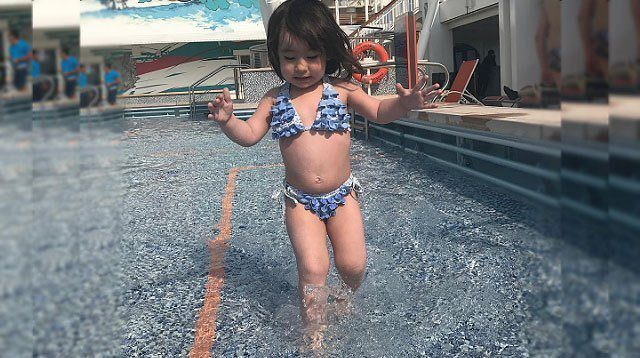 Whoa! Scarlet Snow Belo Braves Huge Water Slide!