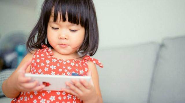 Mobile Devices Linked to Speech Delay in Babies and Toddlers