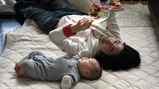 Reading to Your 6-Month-Old Has Huge Benefits for His Future
