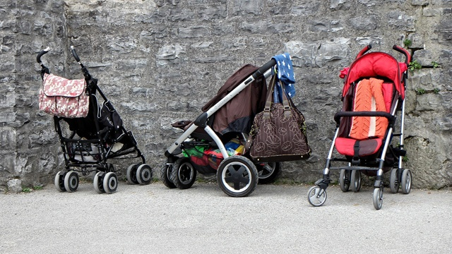This Stroller Practice Is Dangerous in Intense Summer Heat