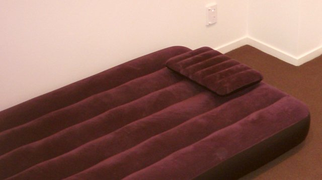 Soft Bedding Like Air Mattress Has Been Linked to Infant Death