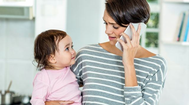 Phone Interruptions May Be Affecting How Toddlers Learn Words