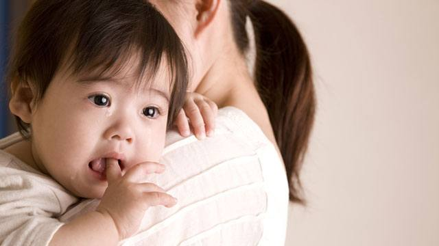 Baby Too Clingy? How You Can Calm Him From Separation Anxiety