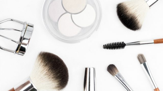 The Gentle and All-Natural Makeup Kit for Pregnant Pinays