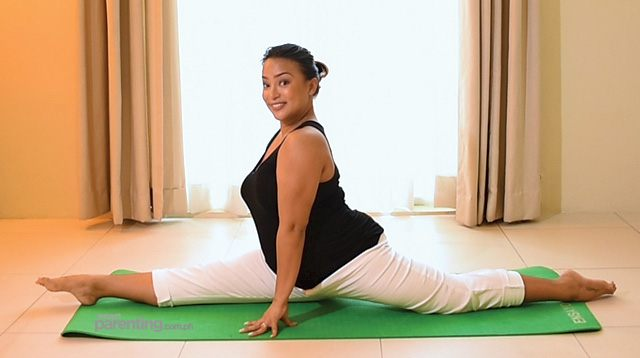 Check Out a Pregnant Erika Padilla-Cariaso Doing Her Yoga Moves!