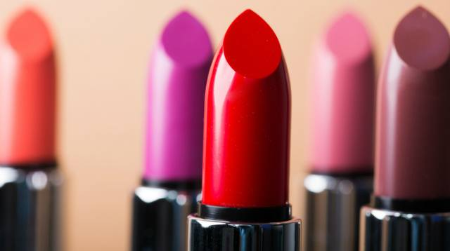 10 Long-Lasting Lipsticks for the Holidays (Some Stay On After Eating!)