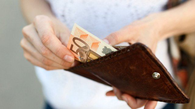 7 Habits That Will Help You Save Money