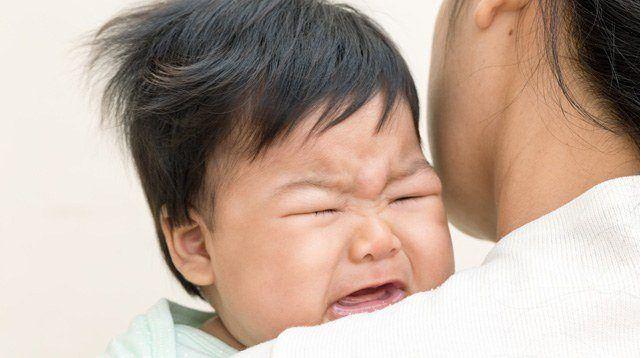 Mga Tips Mula sa Doktor at Nanay Kapag May Sipon si Baby