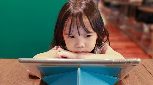 QUIZ: Know If Your Child's Screen Time Has Harmful Effects Already