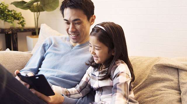 Dads in Tech Industry Enforce Stricter Rules on Kids' Gadget Use