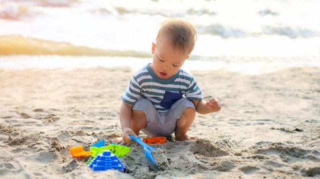 How to Choose the Best Sunblock for Your Kids: 5 Things to Check