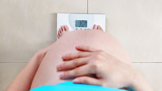 How Much Weight Should You Really Gain During Pregnancy?