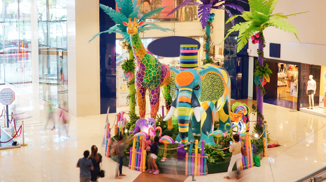 Don't Miss Out on This Mall's Safari-Themed Installations!