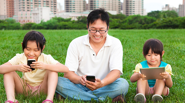 Get Everyone Off Their Gadgets With These 5 Practical Tips