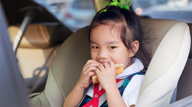 7 Simple Tricks to Surviving School Day Traffic With the Kids