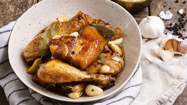 Here's How You Can Make 6 Different Meals From One Big Pot of Adobo