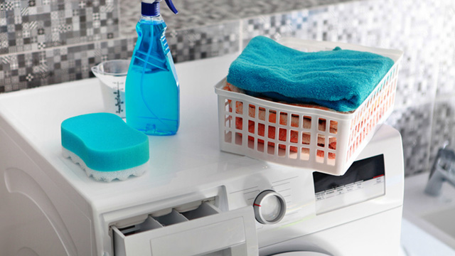 How to Incorporate a Laundry Area into a Tiny Bathroom