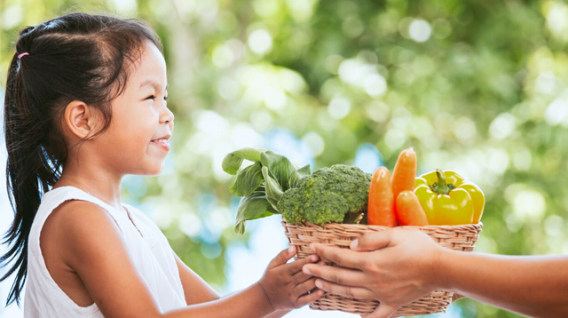 Organic Food Is Pricey. What Fruits and Veggies Are Worth Buying on a Budget?