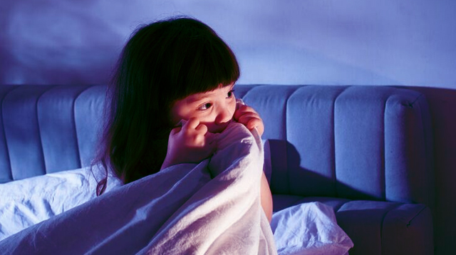How Your Child Benefits When You Give Her a Scare (It's Fun, Too!)